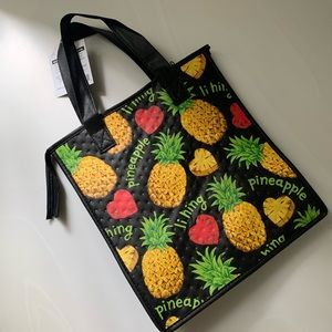 Handbags - 🌿Reusable insulated Pineapple bag
